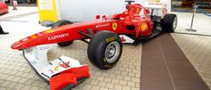 La Fórmula 1 llega a Valencia   Shell, proveedor del equipo Ferrari, propone distintas actividades para pequeños y grandes en la capital del Turia.    El próximo fin de semana se celebrará el GP de Europa en el Valencia Street Circuit y, antes de que los monoplazas comiencen a rodar, la capital del Turia ya respira el ambiente propio de una prueba de Fórmula 1.