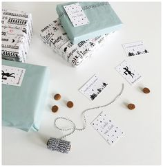 Minikaartjes en cadeaulabels voor Sint. Wrapping Sint. Maak van elk kado een feestje December Daily, Do It Yourself Projects, Wraps, Gift Wrapping, Gifts, Ideas, Gift Wrapping Paper, Presents, Wrapping Gifts