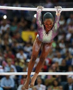 Gabby Douglas fails to repeat magic on bars but remains the darling of #Olympic gymnastics. #London2012