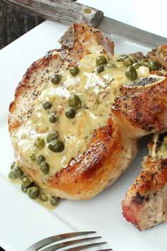Seared Pork Chops with Caper Sauce Seared Pork Chops with Caper Sauce Recipe – This pork chop recipe is quick and so flavorful, providing juicy pan-seared pork chops. Great for a weeknight dinner. Pork Chop Recipes, Sauce Recipes, Meat Recipes, Dinner Recipes, Cooking Recipes, Healthy Recipes, Pork Lion Chops Recipes, Magic Sauce Recipe, Pork Chop Meals