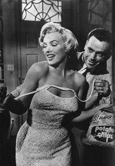 The Seven Year Itch (1955) Marilyn Monroe & Tom Ewell