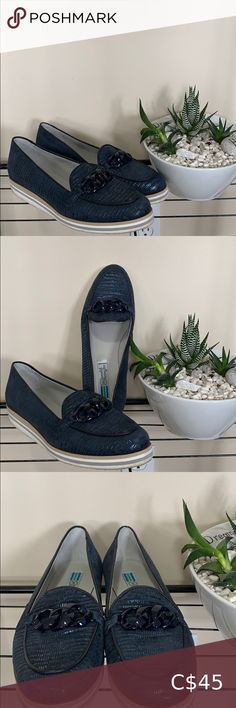 Arnold CHURGAN shoes size Navy loafer Navy loafers with a little sparkle from Arnold Churgin. In great condition. Loafer Flats, Plus Fashion, Fashion Tips, Fashion Trends, Chanel Ballet Flats, Sparkle, Closet, Shoes, Armoire