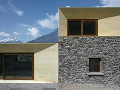 Clavienrossier Architectes - Transformation of a historic home, Charrat Photos © Roger Frei. Interior Design Images, Interior Design Boards, Summer Cabins, Brick And Stone, Swiss Alps, House Extensions, Contemporary Architecture, Detached House, Old Houses