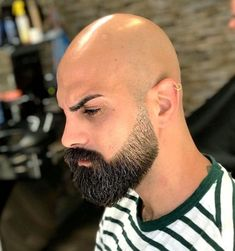 Beard styles for bald guys dont have age limit and bald men should consider growing beard to enhance their general outlook. Goatee Beard, Beard Haircut, Beard Fade, Faded Beard Styles, Beard Styles For Men, Hair And Beard Styles, Bald Men With Beards, Bald With Beard, Long Beards
