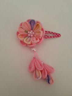 つまみ細工 お花のヘアピン 下がり付き ピンクにピンク