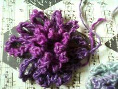 Loopy Flower Brooch