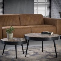 The simplicity of this design makes the coffee table set attractive. It has an industrial but retro look, due to the use of wood and metal. The set can play its own way in your interior! Wooden Table Top, Large Table, Small Tables, New Living Room, Living Room Chairs, Living Room Furniture, Wood And Metal, Interior Styling, Dining Bench