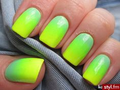Best Ombre Nail Designs for 2019 – Ombre Nail Art Ideas. The ombre nail art designs look very glamorous for women. Gradient Nail Design, Ombre Nail Designs, Gradient Nails, Short Nail Designs, Neon Nails, Nail Art Designs, Diy Nails, Pretty Nail Art, Cute Nail Art