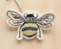 BEE MY HONEY - hand embroidered bumble bee brooch -