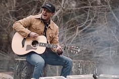 Easton Corbin is showing off his true country side in his latest music video for Somebody's Gotta Be Country. Country Boys, Country Life, Country Videos, Easton Corbin, Dustin Lynch, Justin Moore, Jake Owen, Latest Music Videos, Brantley Gilbert