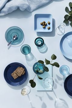 Mix and match Teema ceramics with Kastehelmi glass tableware Food Flatlay, Flatlay Styling, Table Setting Inspiration, Conceptual Photography, Glass Texture, Baby Art, Nordic Design, Creative Photos, Blue Aesthetic