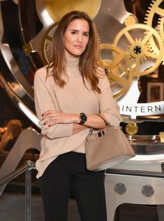 Alex Riviere visits the IWC booth during the Maison's launch of its Jubilee Collection at the Salon International de la Haute Horlogerie (SIHH) on January 2018 in Geneva, Switzerland. Classy Outfits, Chic Outfits, Fashion Outfits, Womens Fashion, Corporate Outfits, Winter Trends, Parisian Chic, Business Fashion, Daily Fashion