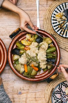 BE welcome and try our homemade food. Tagine Cooking, Moroccan Kitchen, Tagine Recipes, Couscous, How To Cook Chicken, Paella, Pasta Salad, Seafood, Oven
