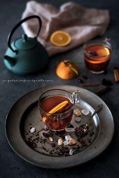 Spiced rooibos herbal tea for Taste & More n. Chinese Cake, Chinese Tea, Reading My Tea Leaves, Turkish Coffee Cups, Tea Art, Herbal Tea, Tea Recipes, Coffee Drinks, Drinking Tea