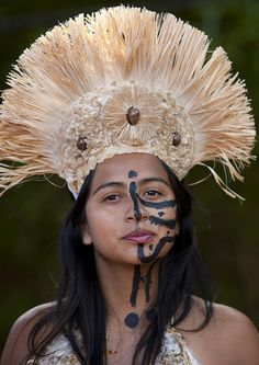 Beautiful Woman During Carnival Parade, Tapati Festival, Easter Island, Chile   Flickr - Photo Sharing!
