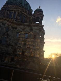 Sonnenuntergang am Berliner Dom ❤️