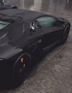 Was würde perfekt zu diesem Lamborghini passen? Das neue KEPLER Etui! Jetzt 15% Rabattcode sichern: PINTERESTSECRET #lamborghini