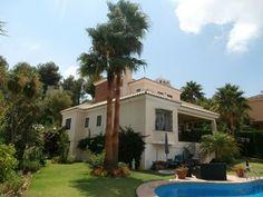 Villa 6 Personen mit privatem Pool in Golf Miraflores - Mijas Villa, Golf, Mansions, House Styles, Home Decor, Terrace, Entry Hall, Diner Menu, Mansion Houses