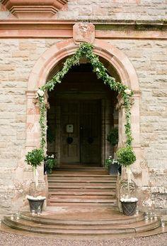 archway- Castle Leslie #jevel #jevelweddingplanning Follow Us: www.jevelweddingplanning.com www.facebook.com/jevelweddingplanning/ www.twitter.com/jevelwedding/ www.pinterest.com/jevelwedding/