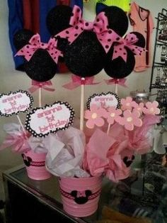 minnie mouse centerpiece by dulcedenance on Etsy, $25.00 by penny