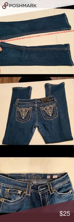 32f2fad2eaa87 Miss Me Size 28 Boot Cut Jean Miss Me size 28 Jean with design on pocket