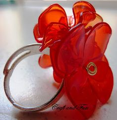 Recycling plastic bottles, DIY a ring like this by following the tutorial