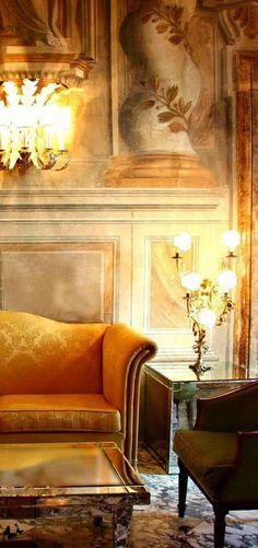 Old world elegance - Luxury Homes Decor, Interior Design, House Interior, French House, French Interior, Interior, Autumn Home, Interior And Exterior, Home Decor