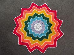 Rainbow Spiderweb Blanket (Bron)