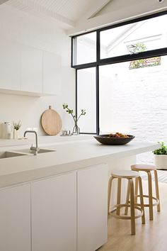 Gorgeous clean kitchen from Made by Cohen – Windsor   Jolie cuisine minimaliste