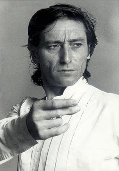 Antonio Esteve Ródenas, más conocido como Antonio Gades, fue un bailarín y coreógrafo español.