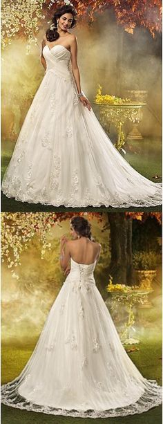 Sweatheart Wedding Gown. Put some sleeves and we're in business!