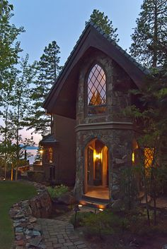 This Lake Tahoe property in Incline Village, Nev., incorporates Feng Shui style elements. For instance, the front door is considered the 'chi mouth,' referring to the Chinese concept of life energy. (Photo: In1Spot Photography)