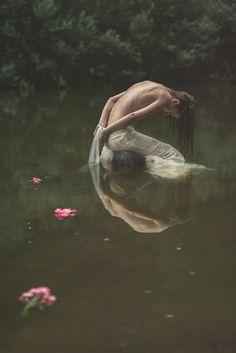 Irma Kanova (IRMA FOTO) – OPHELIA • Dark Beauty
