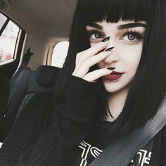 Resultado de imagen para grunge girl black hair