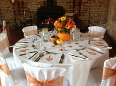 Autumn wedding ideas. I know this isn't outdoors, but I liked it.