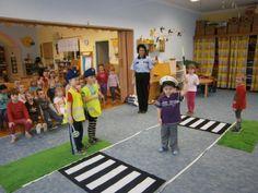 dopravní prostředky - Hľadať Googlom Preschool Activities, Transportation, Kindergarten, Basketball Court, Nursery, Sports, Art Projects, Bead, Bracelets
