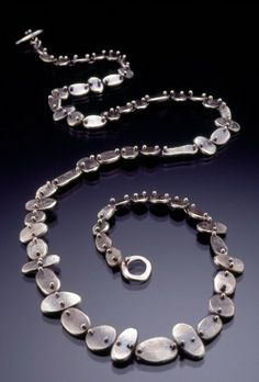Lisa Colby Exhibiting member in Jewelry