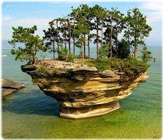 Необычный остров на озере Гурон, штат Мичиган, США…