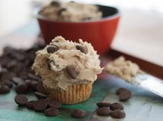 Gluten Free Chocolate Chip Cookie Dough Frosting Recipe This brown sugar frosting tastes just like chocolate chip cookie dough. Pin Now Read Later! Gluten Free Cookie Dough, Cookie Dough Frosting, Gluten Free Chocolate Chip Cookies, Chocolate Chip Cookie Dough, Sugar Frosting, Chocolate Chips, Easy Icing Recipe, Frosting Recipes, Cookie Recipes