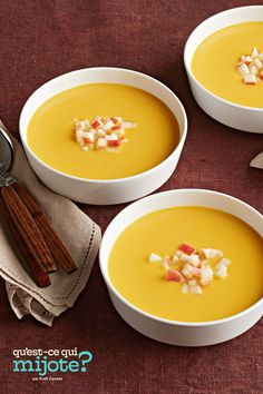 Soupe aux pommes, à la courge et au cari #recette Best Thanksgiving Recipes, Thanksgiving Menu, Holiday Recipes, Squash Apple Soup, Butternut Squash Curry, Heinz Apple Cider Vinegar, Cooking For Beginners, Fast Easy Meals, Nutrition