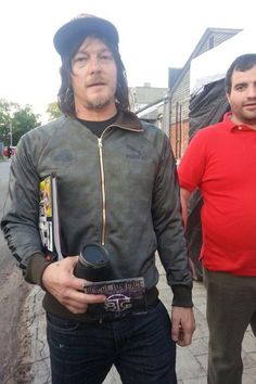 There is no warning strong enough for this shit. #GAReedus RT@alexcabrera2 @wwwbigbaldhead representing @bridge2grace