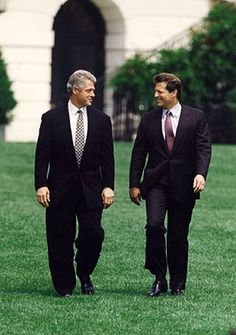 U.S. PRESIDENT BILL CLINTON with U.S. VICE PRESIDENT AL GORE on the White House Lawn in Washington, DC