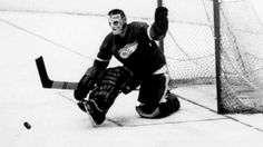 Maurice Richard spends the afternoon moving his family from one apartment to another, then uses the evening hours to set an NHL single-game scoring record. Hockey Goalie, Ice Hockey, Maurice Richard, Detroit Red Wings, Nhl, 1930s, History, Classic, Goalkeeper