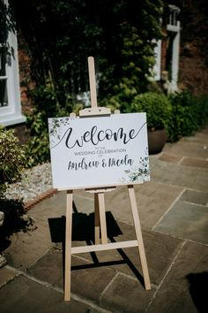 Welcome Sign on Wooden Easel for Outdoor Wedding | By Kazooieloki | Garden Wedding | Outdoor Wedding | Tea Length Wedding Dress | Birdcage Veil for Bride | Peach Wedding Flowers | Country Wedding | Summer Wedding | Wedding Decor | Wedding sign Rustic Wedding Signs, Wedding Signage, Diy Wedding, Wedding Summer, Decor Wedding, Garden Wedding, Wedding Flowers, Italian Wedding Themes, Elite Bridal