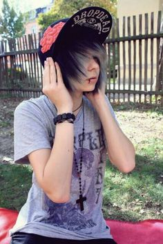 40 cute emo hairstyles for teens (boys and girls) - hairstyle models - 40 cute emo hairstyles for teens (boys and girls) - Cute Emo Guys, Hot Emo Boys, Emo Girls, Emo Mode, Pelo Emo, Photomontage, Emo People, Teen Boy Hairstyles, Emo Scene Hair