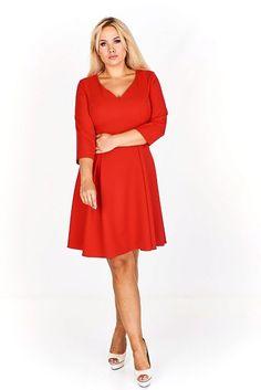 b3c4014728c 20 nejlepších obrázků z nástěnky Šaty pro plnoštíhlé dámy v roce ...