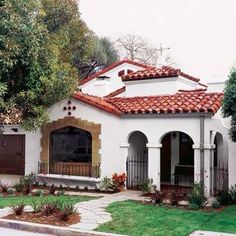 Charming Spanish Revival house from This Old House. THIS house! Spanish Revival Home, Spanish Colonial Homes, Spanish Style Homes, Spanish House, Fachada Colonial, Mission Style Homes, Spanish Architecture, House Architecture, Mediterranean Style Homes