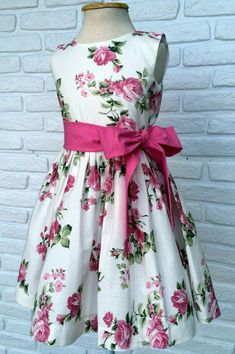 Kids Frocks, Frocks For Girls, Girls Dresses, Flower Girl Dresses, Little Girl Outfits, Little Girl Fashion, Kids Outfits, Kids Fashion, Toddler Dress