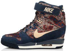 "Liberty x Nike WMNS ""Bourton"" Collection"