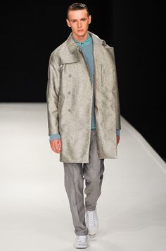 Richard Nicoll Spring 2014 Menswear Collection Slideshow on Style.com